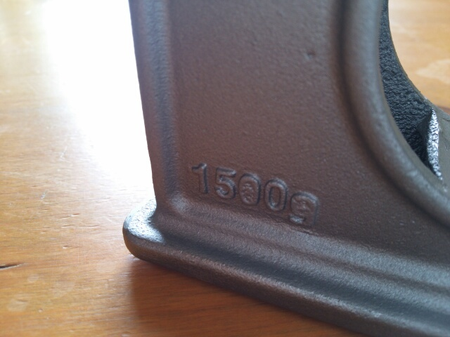 おしゃれなテープカッター~鉄製のPUEBUCOの側面