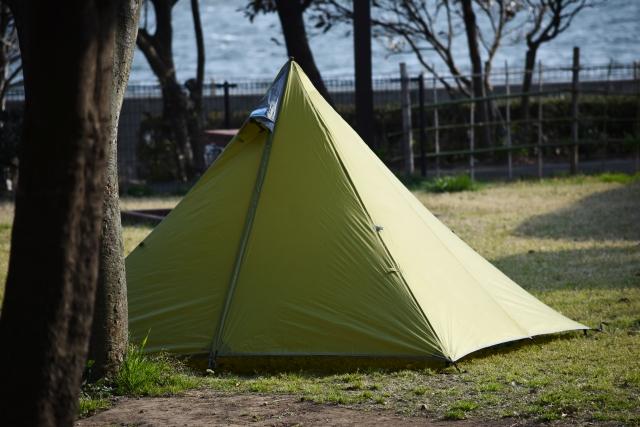 ソロキャンプ テント 冬 おすすめ 選び方
