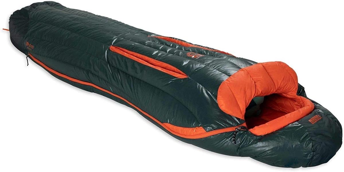 キャンプ女子 ソロキャンプ 冬キャンプ 寝袋 おすすめ