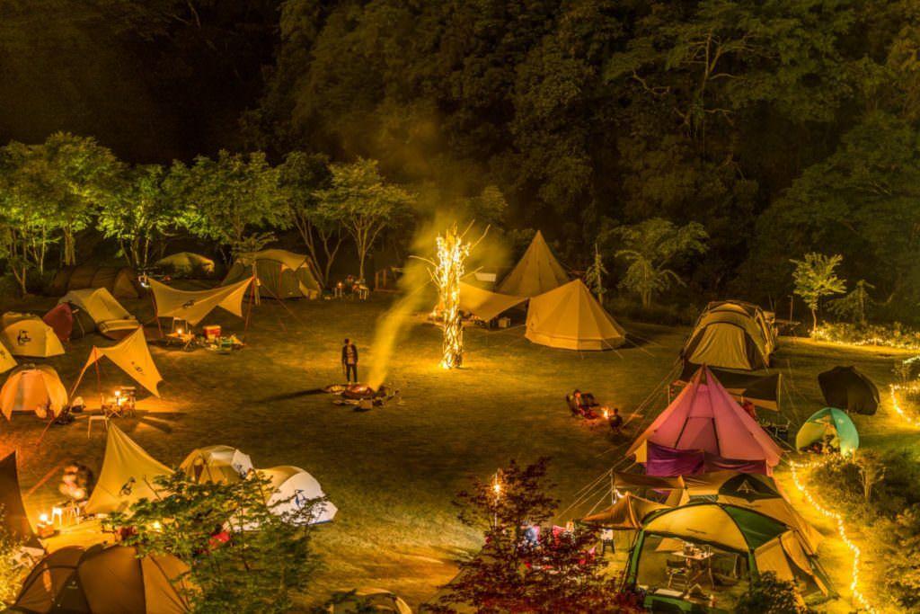 女子ソロキャンプ キャンプ場 選び方 持ち物リスト