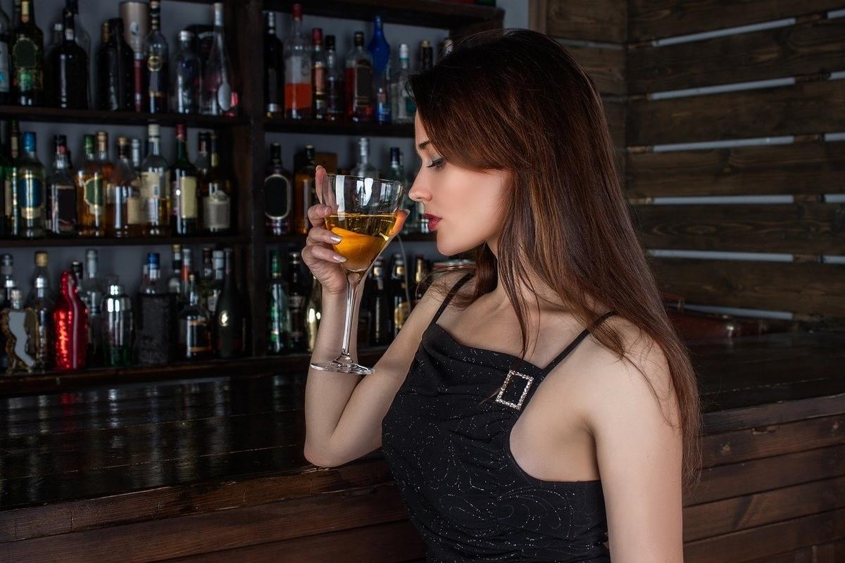 「お酒がよく回るなぁ」って英語でなんて言う?