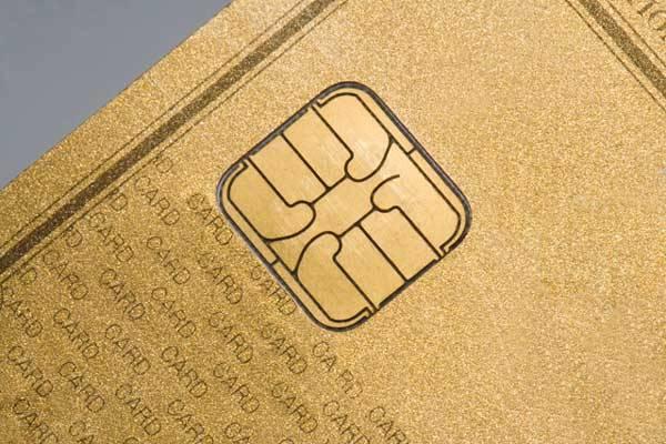 『ゴールドカード』の魅力とは?国内で利用できるカード一覧
