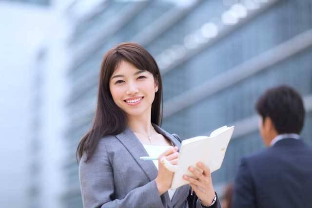 働く女性を応援!女性に人気の職業とおすすめ資格