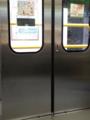 拝島駅の昇降式ホーム柵