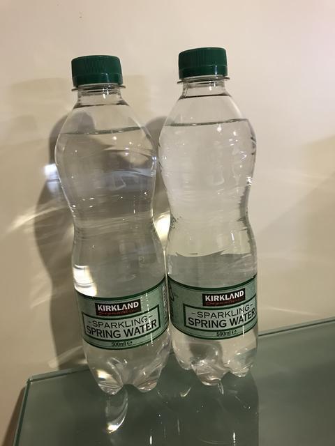 カークランドのスパークリングウォーター(炭酸水)