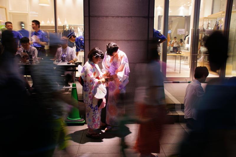 京都新聞写真コンテスト 浴衣姿が映える宵