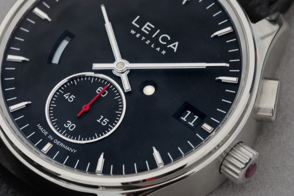 leica-watch-timeadjust-off