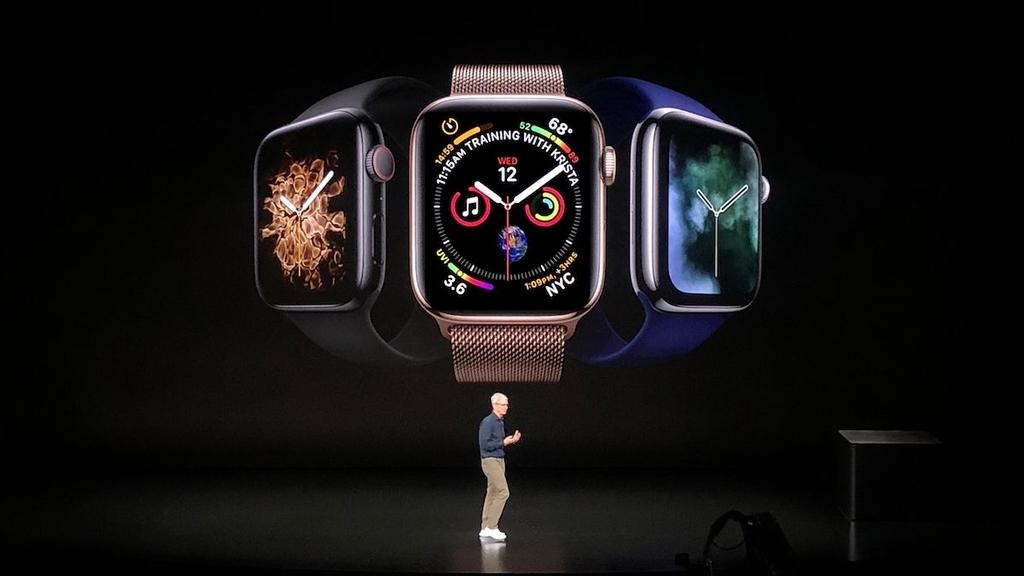 アップルパークでの基調講演で紹介されるApple Watch Series 4