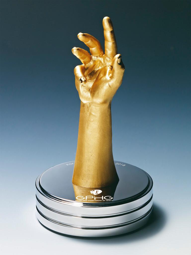 スポーツウォッチ賞のトロフィー