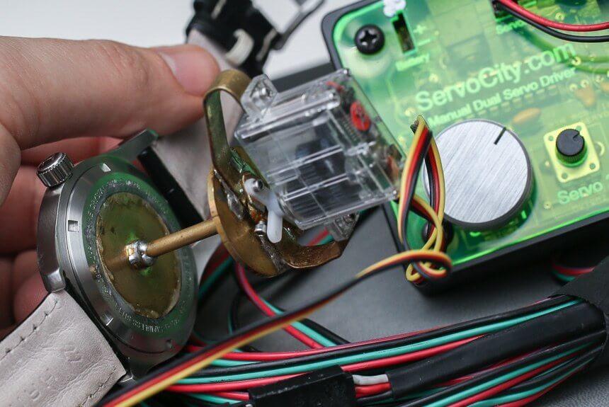 映画インターステラーのマーフの時計の仕組み