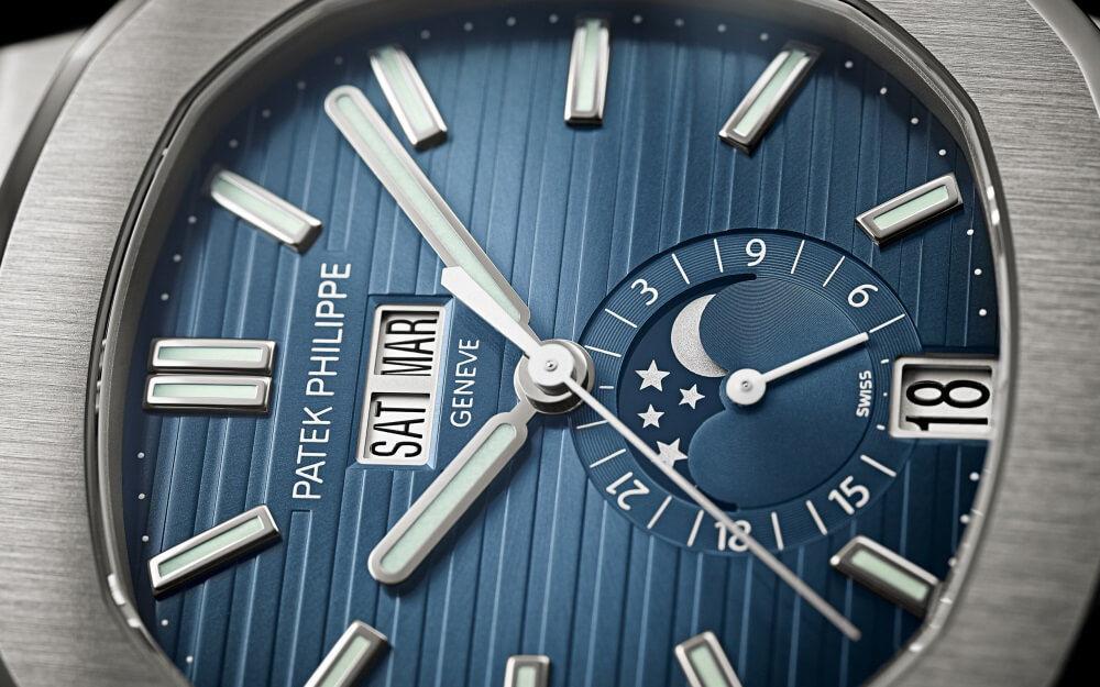 パテック フィリップ 5726/1A ノーチラス アニュアルカレンダーのブラックブルー文字盤