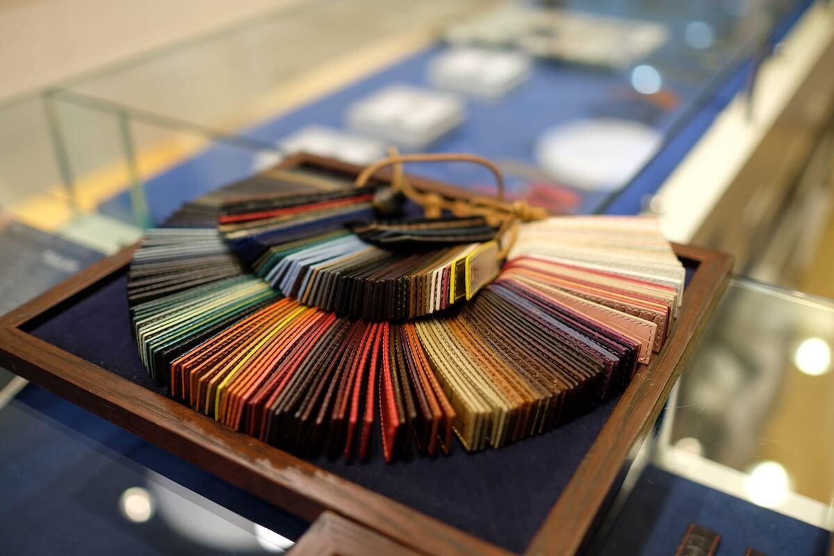 ジャン・ルソーの豊富な革ベルトの種類