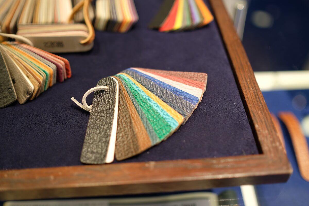 ジャン・ルソーの裏革の素材