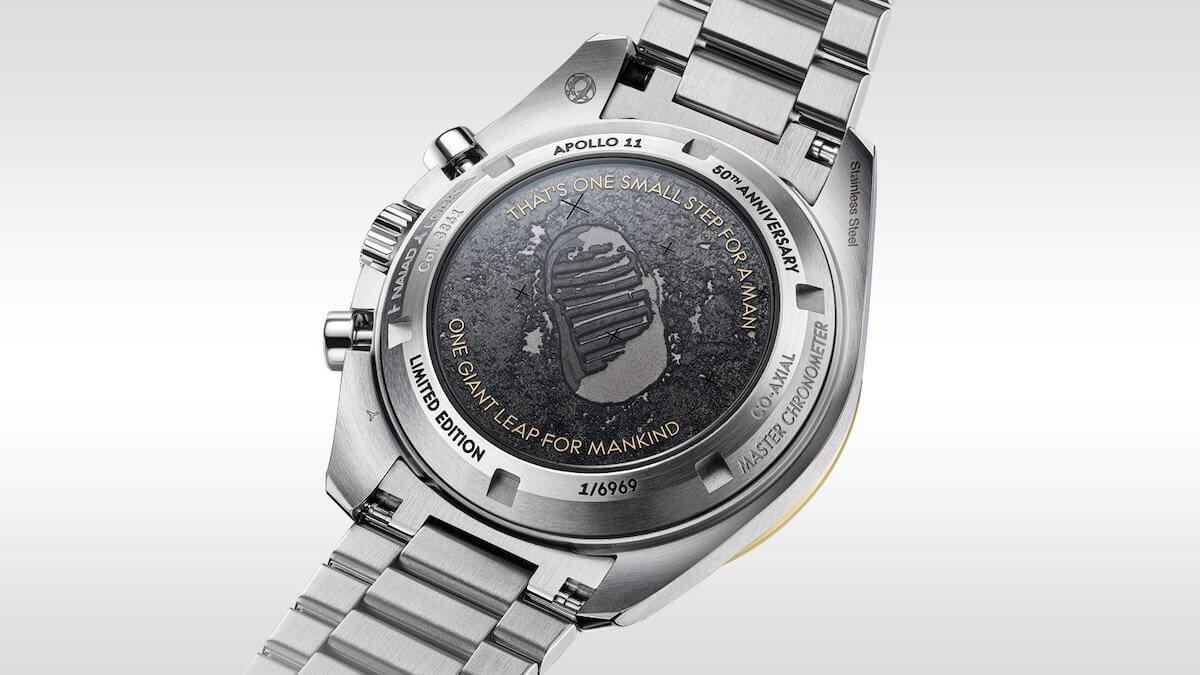 オメガ スピードマスター アポロ11号50周年記念限定 310.20.42.50.01.001のケースバック