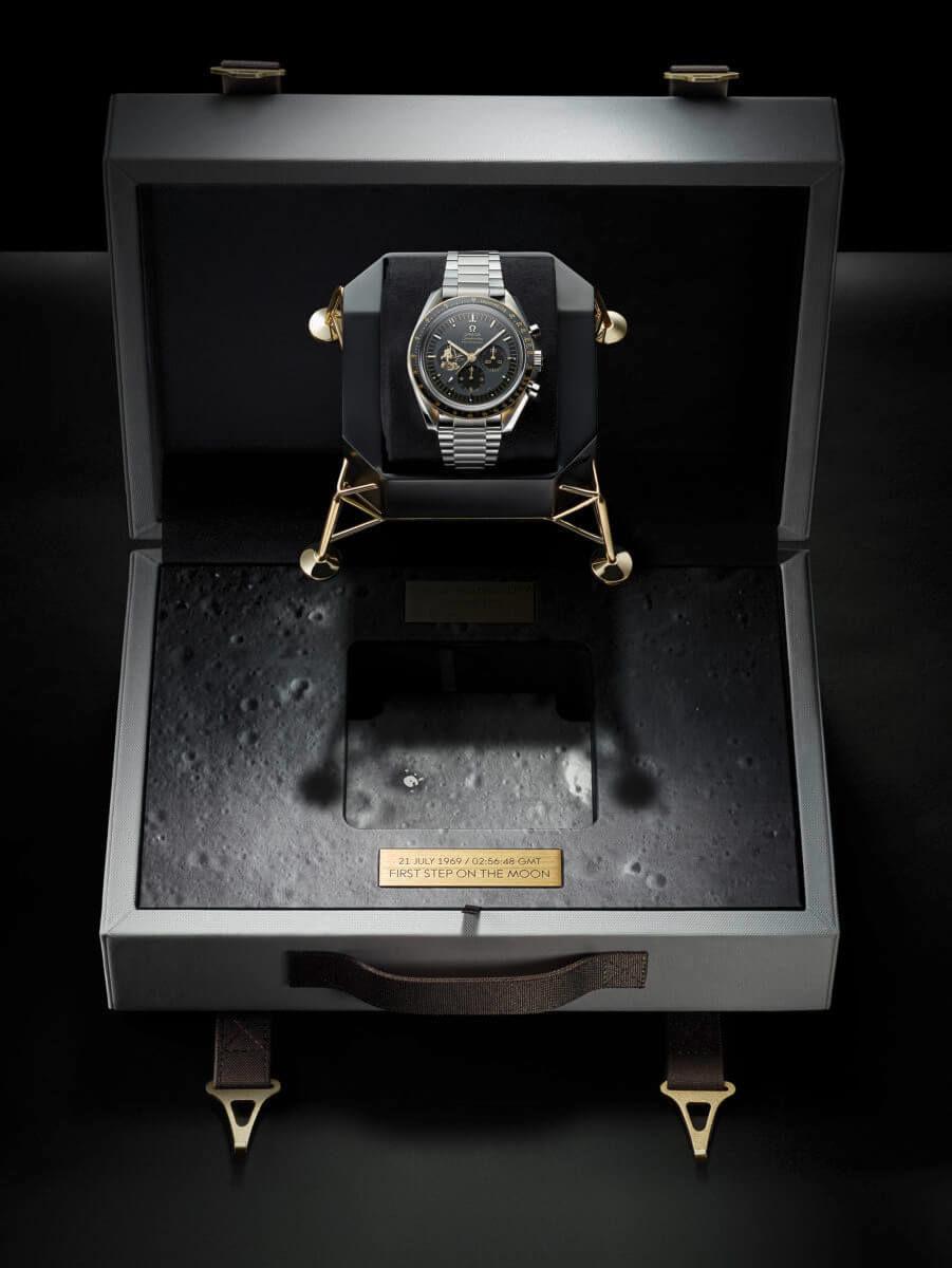 アポロ月着陸船「イーグル」号を模した時計ケース