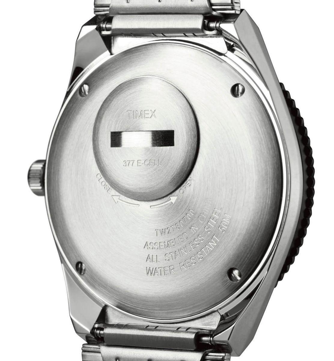 Q Timex TW2T80700のケースバック