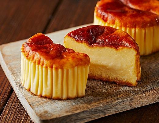 紅蘭がハマってるバスチー-バスク風チーズケーキ-は焦がしカラメルがおいしさの秘訣!