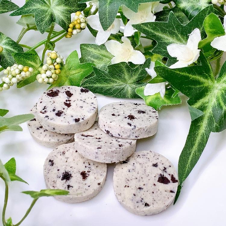 5秒で溶けて消えちゃうとろけるクッキー♪新発売のクッキー&クリームは鬼リピまちがいなし!