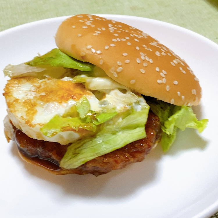YOSHIKI様のふとした発想から爆誕!親子てりやきバーガーを実食レポート!