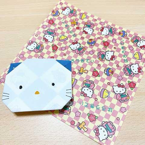 折り紙でキティちゃんも作れます♪