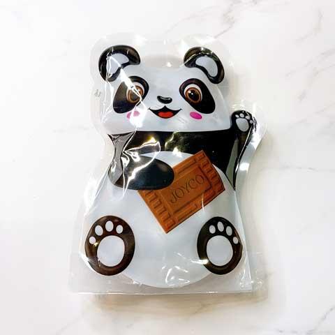 パンダの中からパンダさんチョコがコロコロでてきます!