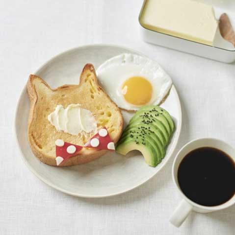 ねこねこ食パン(プレーン)はミルクたっぷりの生食パンです♪