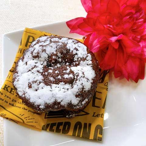 """焼いたチョコケーキのたまにある""""ザクッ""""とした食感が好きな方はファミマの新商品を買うしかない!!"""