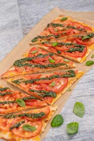 チーズ&トマト フラットブレッド