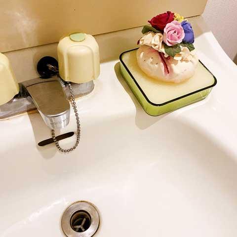 洗面台にあるととっても便利なスポンジ付きソープトレー!