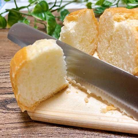 薄くカットしたパンでも、キレイにカットできちゃうキレ味!