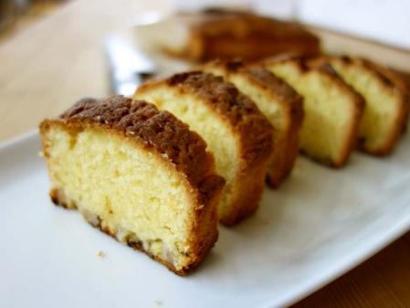オリーブ風味のバナナアーモンドケーキ