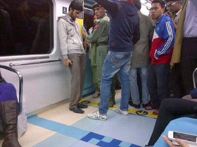 ドバイの地下鉄の画像