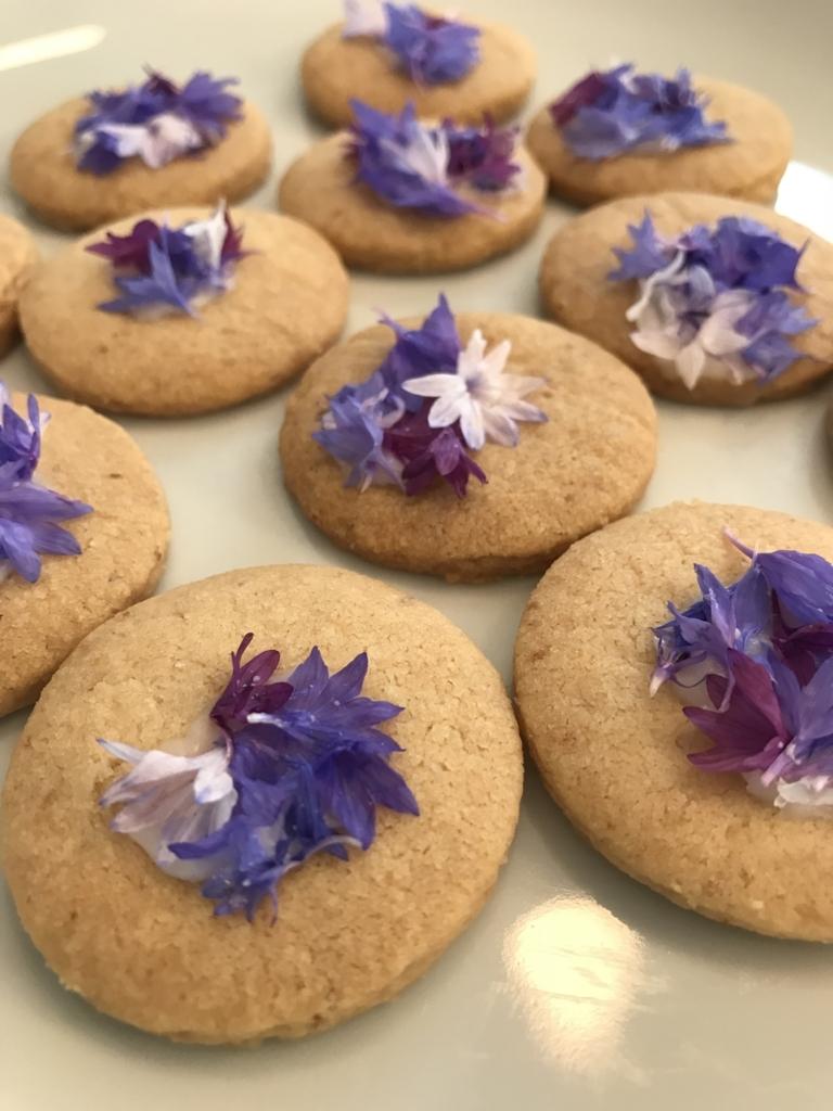 ヤグルマギクのクッキー