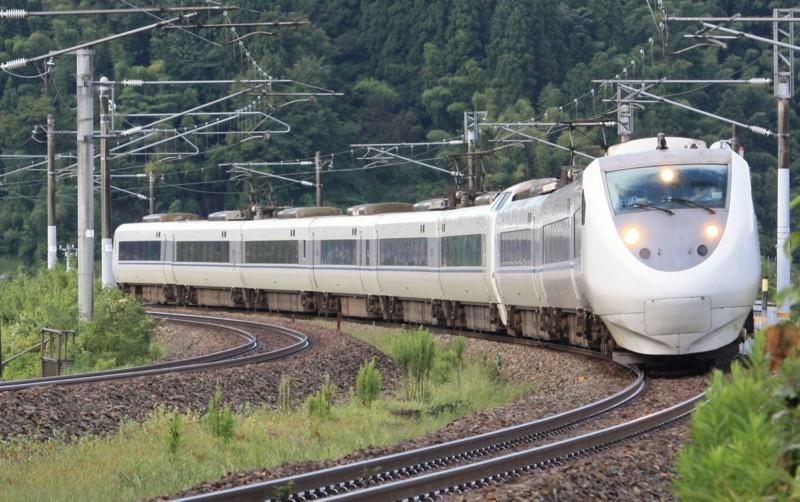 特急はくたか5号(1005M) 681系@津幡~倶利伽羅