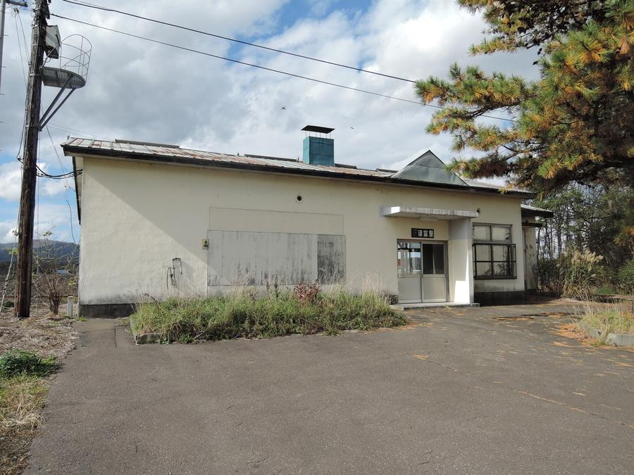 下徳富駅舎
