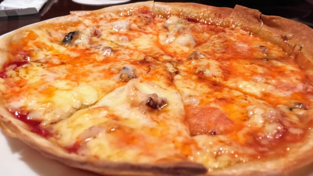 チャーリーブラウンの島ワモンダコのピザ