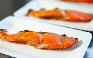 焼いた紅鮭の切り身