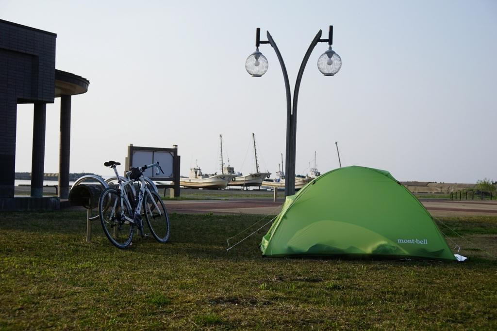 キャンプ地の朝