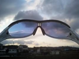 アディダス・ライラックミラーで見る景色