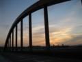 空~山城大橋の夕陽(京都府京田辺市)