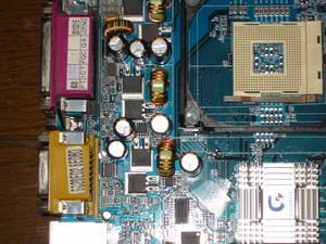コンデンサ交換修理後のマザーボード