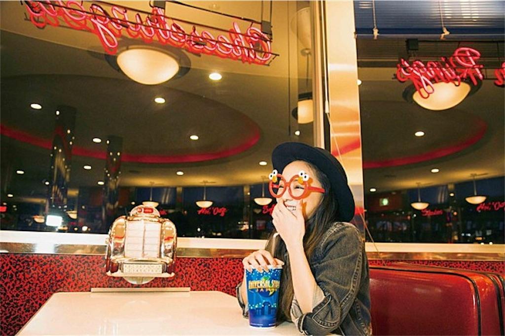 5.定番のハットがかわいい安室奈美恵