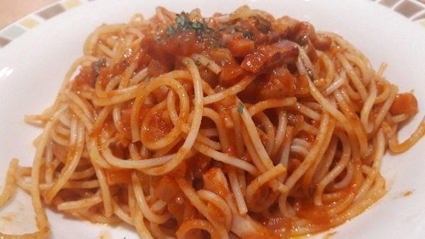 スパゲッティアラビアータが提供されたところ
