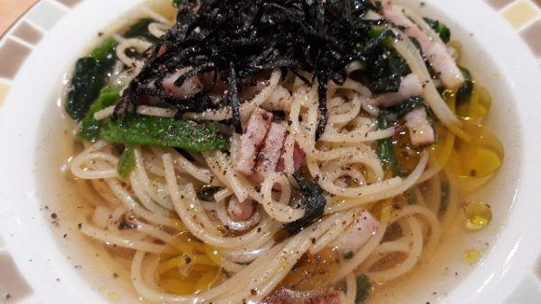 ほうれん草のスパゲッティをスープパスタにした