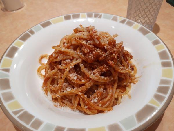 パルマ風スパゲッティが提供されたところ
