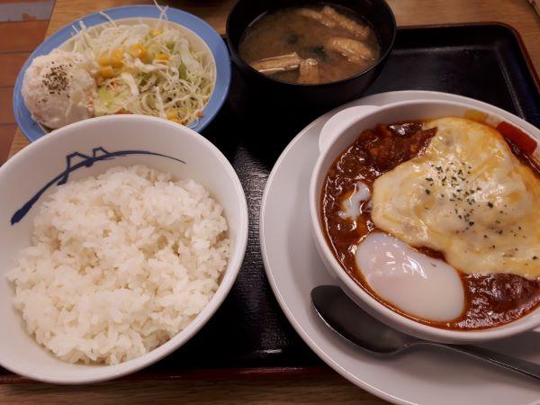 松屋本日発売「うまトマハンバーグ定食2019」が提供された