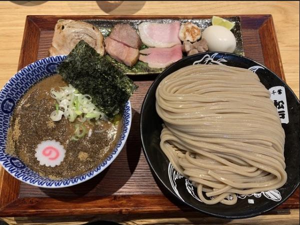 とみ田のつけ麺の外見