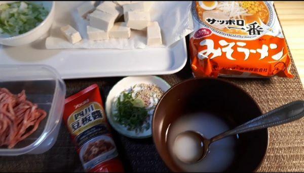 【レシピ】サッポロ一番みそラーメンでつくる麻婆麺の材料