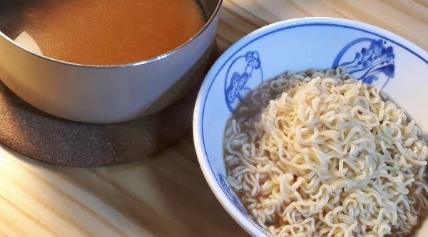 【レシピ】サッポロ一番みそラーメンでつくる麻婆麺をつくるところ