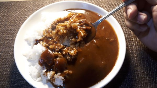 ジャワカレーで最も辛い!「大人の激辛」を食べる(オリジナル写真)